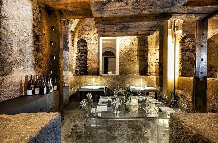 Silvester-Essen: Modernes Design trifft im Hotelrestaurant des Zash Boutique Hotel auf rustikales Interieur.