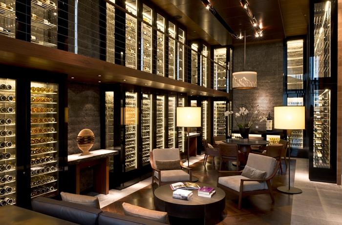Unsere teuersten Hotels: Die Weinblibliothek im Luxushotel The Chedi Andermatt