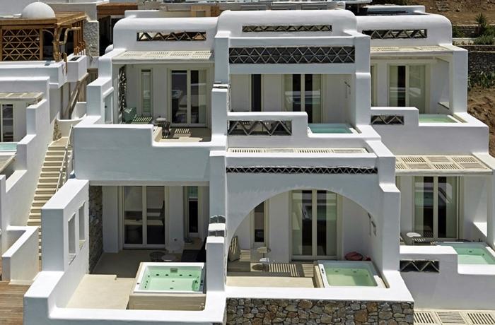 Unsere teuersten Hotels: Die terrassenförmige, inseltypische Architektur dieses Hotels sorgt für ein Extra an Privatsphäre.