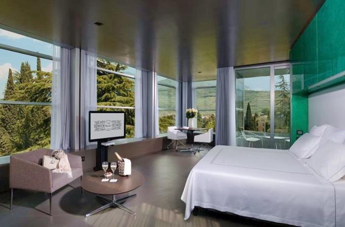 Unsere teuersten Hotels: Moderne Designsuite direkt am Gardasee