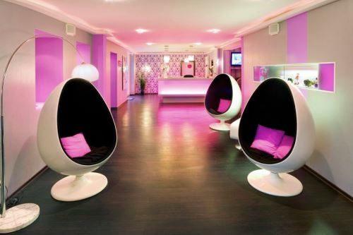 02_7954_retro_design_hotel_0456599_500x333