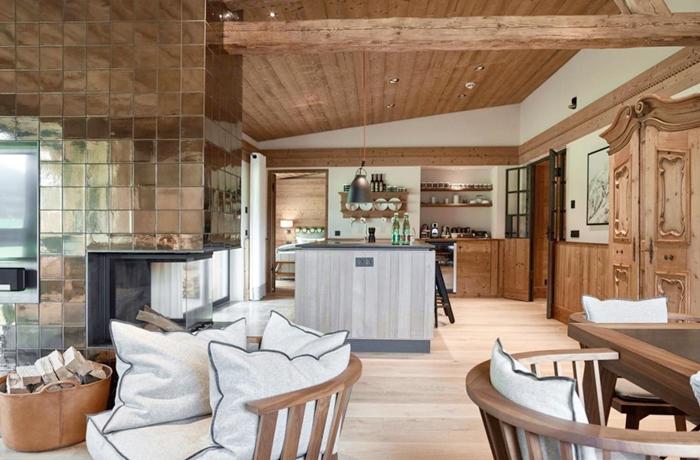 Unsere teuersten Hotels: Die gemütlichen Chalets der Kitzbühel Lodge verfügen über einen Privatconcierge