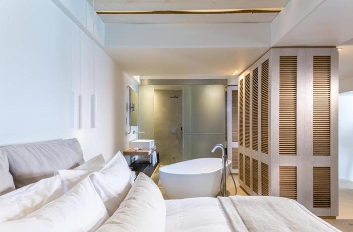 Unsere teuersten Hotels: Die freistehende Badewanne gehört zu den Highlights in den Bill & Coo Suites