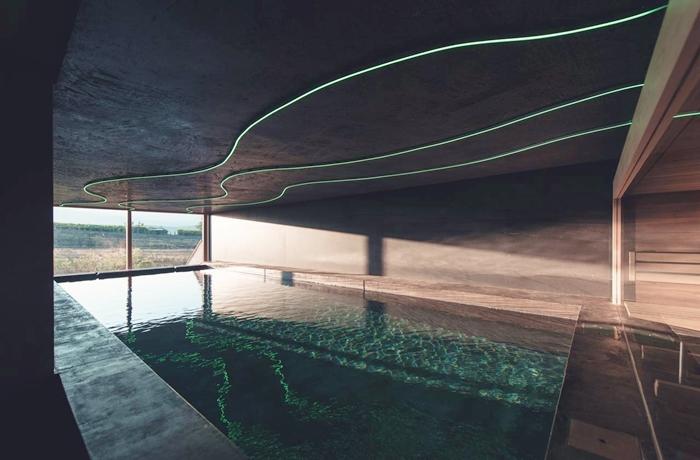 Hotels für Erwachsene: Panorama-Pool im Sonnenlicht, Das Wanda, Südtirol, Italien