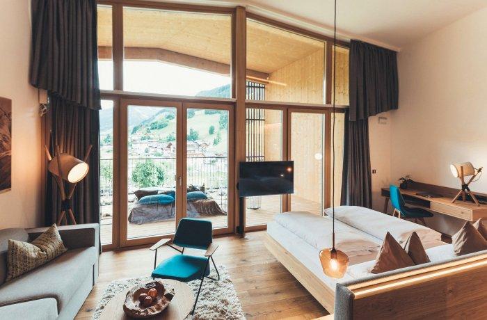 Ein besonderes Wellnesshotel in Österreich: Hotelzimmer im Hotel Nesslerhof in Großarl