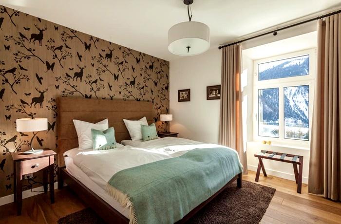 Hotel Bellevue Wiesen: Historischer Charme und Panoramablick auf die Berge