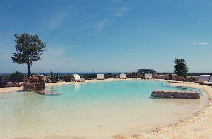 Sommerurlaub mit Pool & Strand: Masseria Montenapoleone, Italien, romantisches Landhaus mit Pool