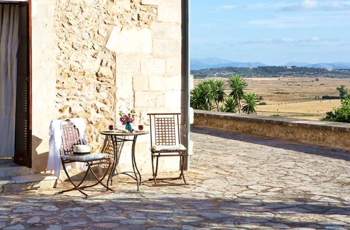 Adults Only Hotel: Sitzecke auf der Terrasse mit Panoramablick: Casa Font i Roig, Mallorca, Spanien