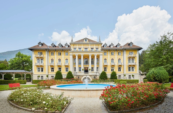 Großes Wellnesshotel mit luxuriöser Atmosphäre