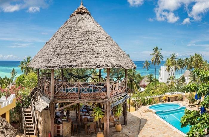 Badeurlaub: Restaurant mit Meerblick im Zan-View Hotel auf Sansibar, Tansania