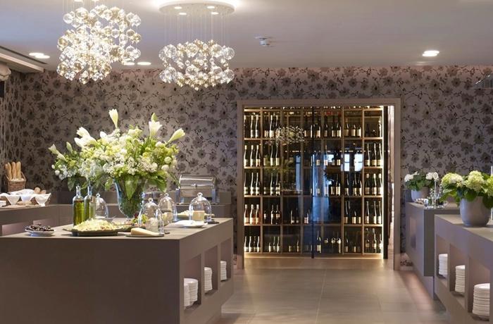 Der Weinraum des Hotel Giardino Marling gehört auch zu den Highlights.