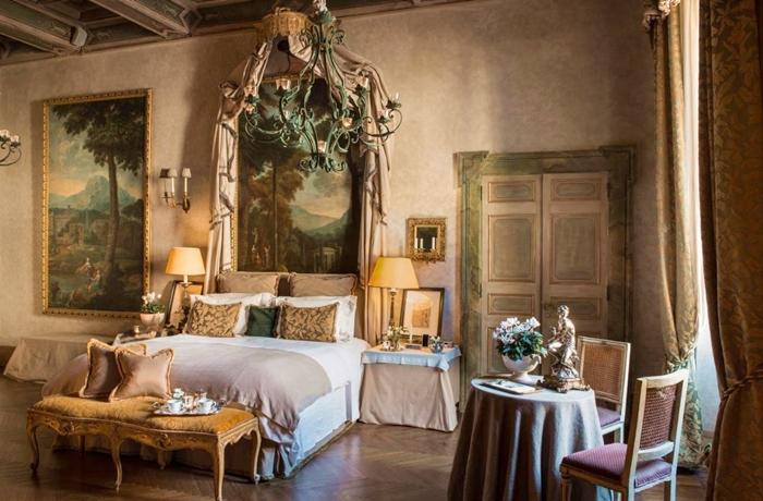 Unsere teuersten Hotels: Eine königliche Suite im Hotel Residenza Napoleone III