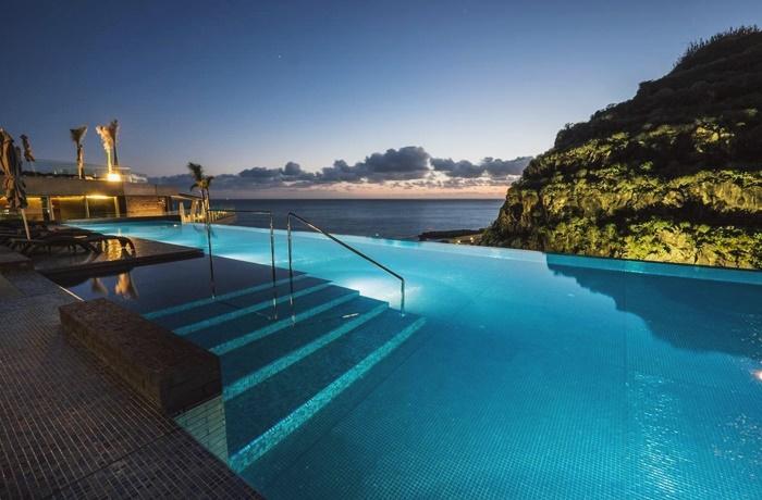 Sommerurlaub mit Pool & Strand: Saccharum Hotel, Portugal, Wellnessbereich mit Pool, Lage am Strand