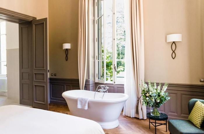 Freistehende Badewannen: Designträume im Schlosshotel Château de Montcaud