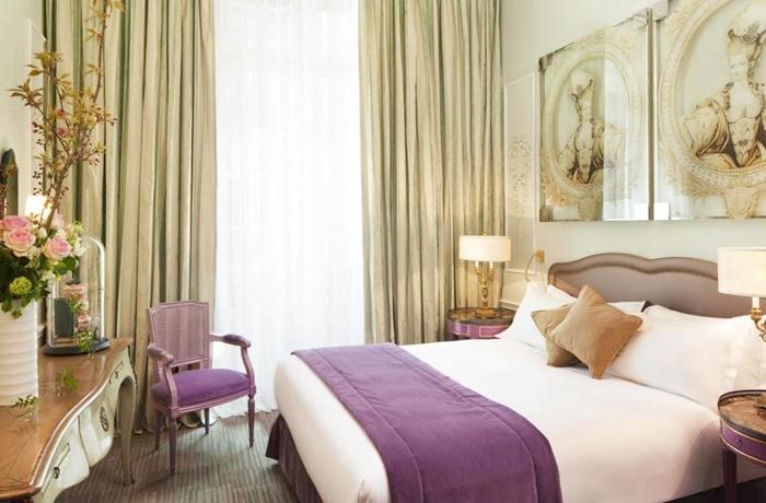 Romantische Hotelzimmer: Ein klassisch-elegantes Zimmer mitten in Paris.