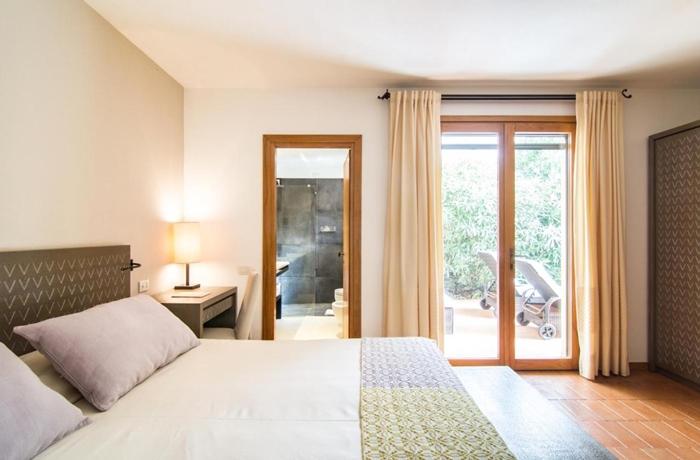 Die Farbgebung im Hotel Aquadulci wurde von landestypischen Materialien inspiriert
