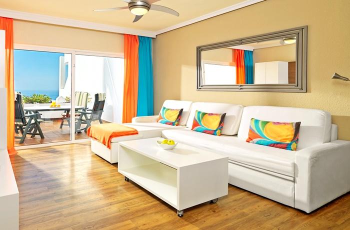 Günstiger Urlaub für die ganze Familie: In den Regency Torviscas Apartments and Suites bestens möglich