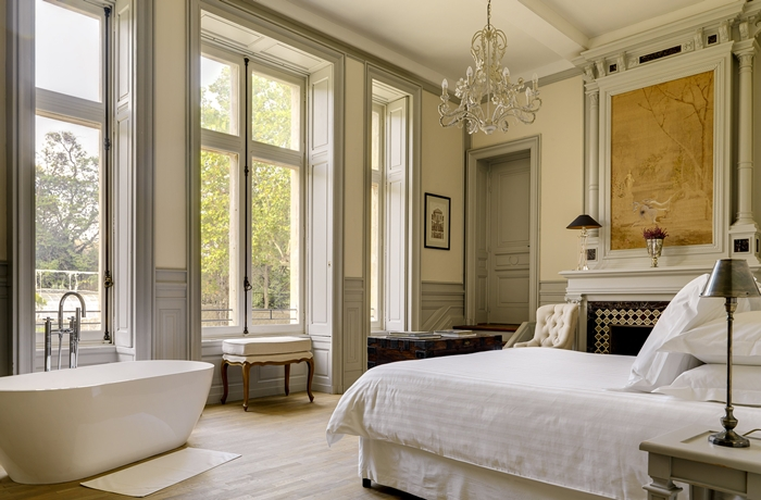 Luxuriöses Ambiente trifft auf Wohlfühlatmosphäre in diesem Hotel in Frankreich