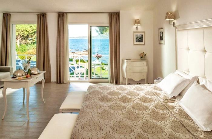Adults Only Hotel: Zimmer mit Meerblick, The Pelican Beach Resort & Spa, Sardinien, Italien