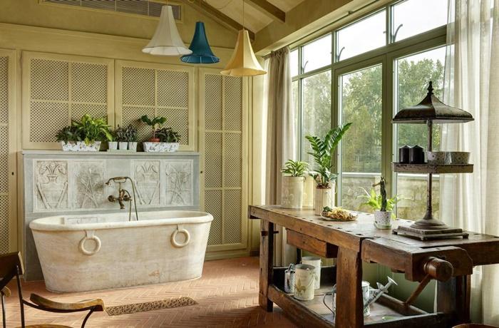 Freistehende Badewannen: Hotel Ville sull'Arno mit charmanter Florentiner Architektur