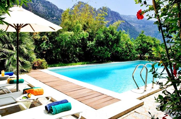 Hotels für Erwachsene: Pool im Garten mit Blick auf die Berge, Hotel Ca'n Verdera, Mallorca, Spanien
