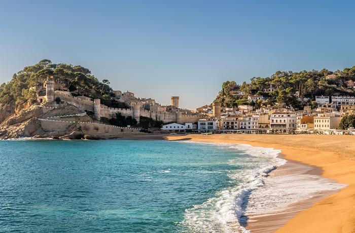 Strandurlaub an der Costa Brava gehört zu unseren Empfehlungen für Urlaub in 2020