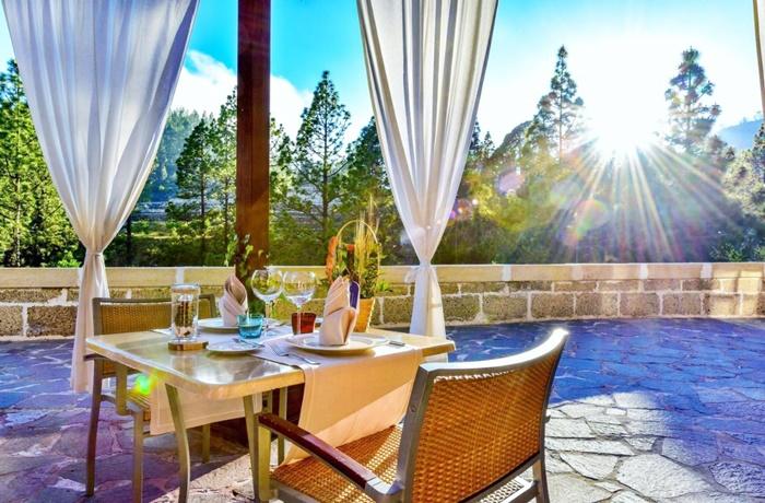 Adults Only Hotel: Frühstückstisch auf der Terasse mit Blick in die Natur, Hotel Spa Villalba, Teneriffa, Spanien
