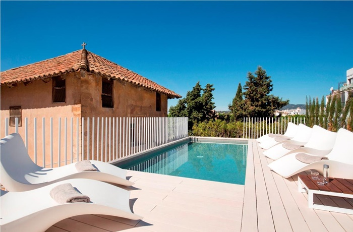Auch in der Hauptstadt Palma lässt es sich in Oasen wie dieser wundervoll urlauben.