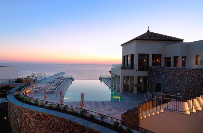 Hotels in Spanien: Jumeirah Port Soller Hotel & Spa, Port de Sóller, Terrasse mit Pool, Blick auf Meer, Sonnenuntergang und Hotel
