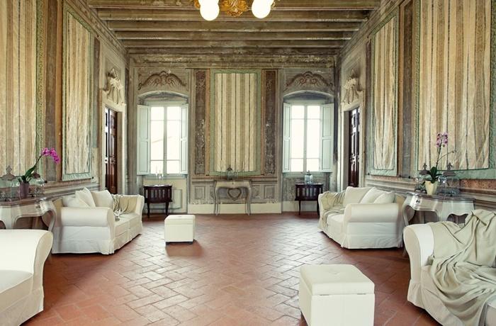 Günstige Hotels am Gardasee: Der Palazzo befinded sich in guter Lage für Erkundung historischer Städte
