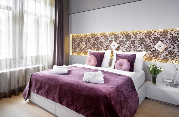 Hotelcheck: Zimmer in Violett-Tönen im Hotel UNIC Prague, Prag, Tschechien
