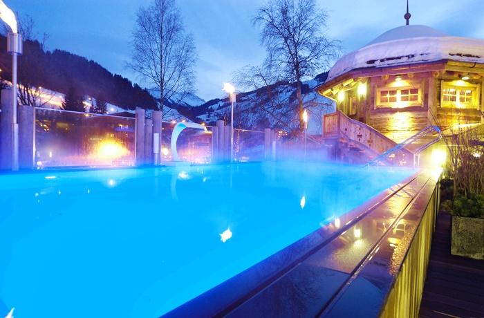 Wellnesshotels: Alpine Palace - Region Salzburg, Österreich mit Außenpool im Winter