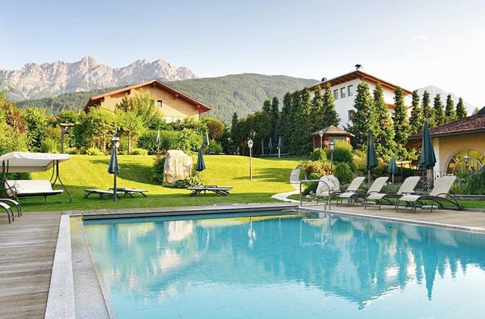 Mirabell Dolomiten Wellness Residenz, Olang, Italien
