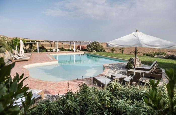 Sommerurlaub mit Pool & Strand: Masseria Susafa, Italien, mit Pool und Restaurant, Landhaus - ruhig und abgelegen in der Natur