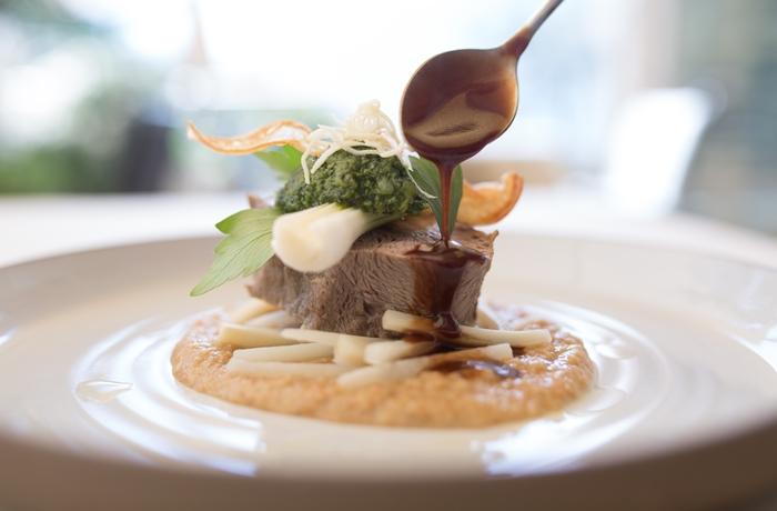 Auch die Kulinarik kann sich nicht nur sehen lassen, sie ist auch noch äußerst frisch & schmackhaft