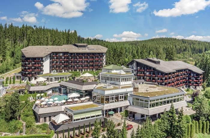 Das Hotel Vier Jahreszeiten am Schluchsee liegt inmitten des Südschwarzwald