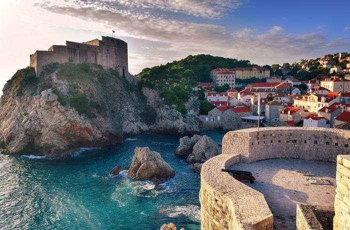 Mittelalterliche Städte & Strandfeeling – hier treffen zwei Welten aufeinander.